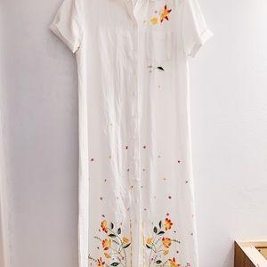 Stunning vintage floral detailed dress